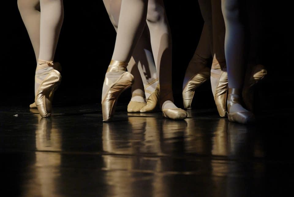 Origen del ballet como baile y espectáculo